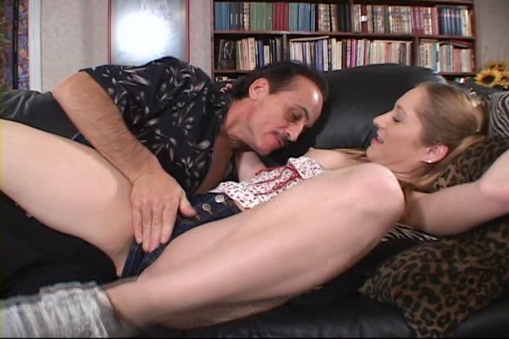 Видео женой порно няню трахают с муж смотреть