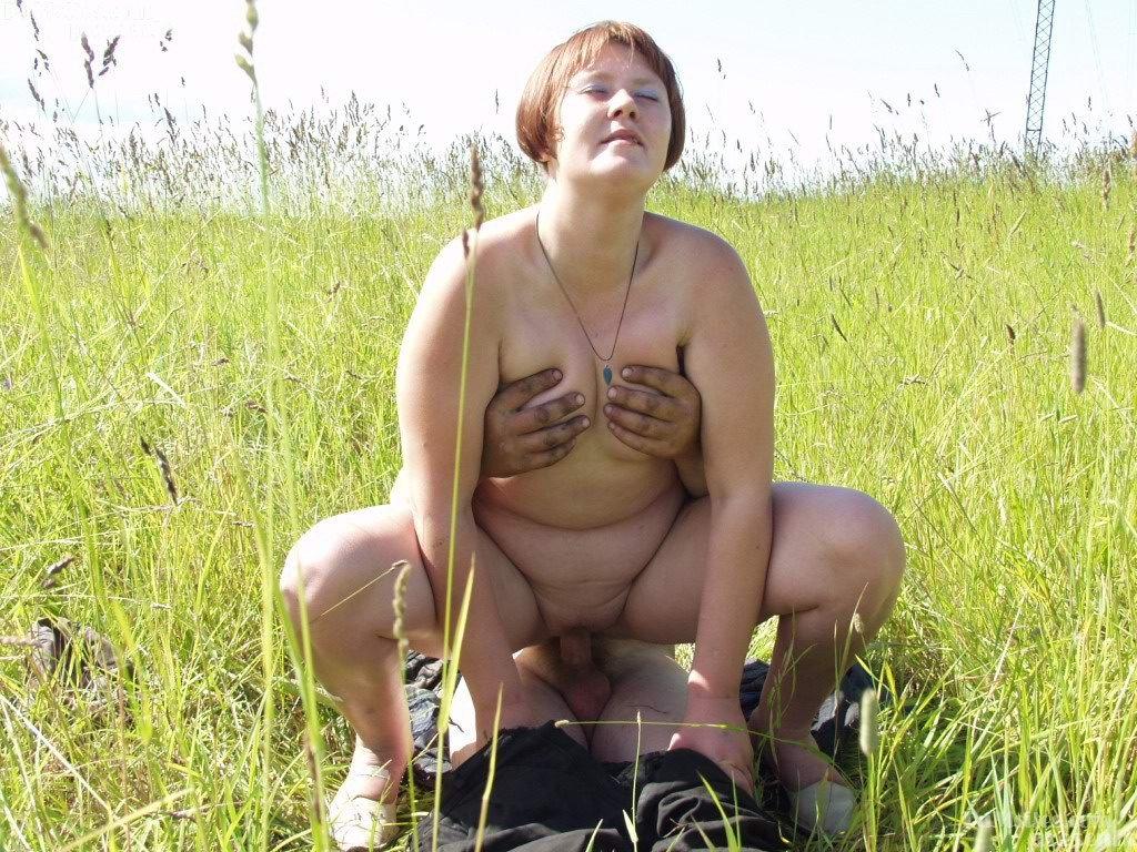 domashnee-foto-zrelih-v-derevne-struyno-ot-negra-v-anal-onlayn