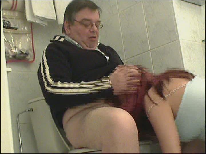 приехали сосет у шефа в туалете жалейте времени