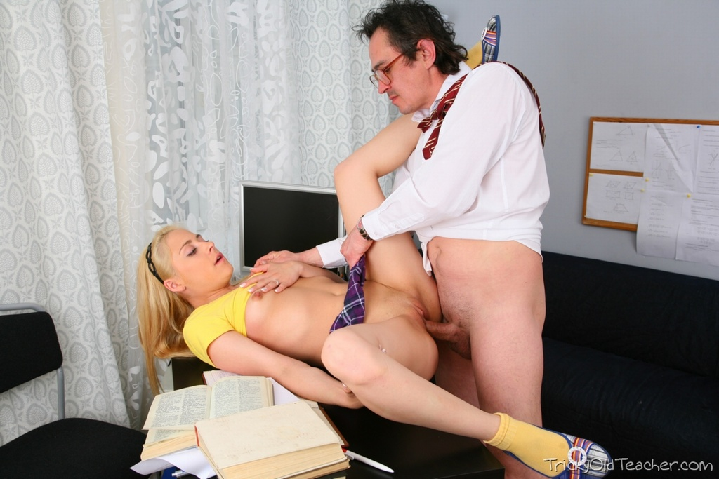 скачать порнуху учителя и студентки