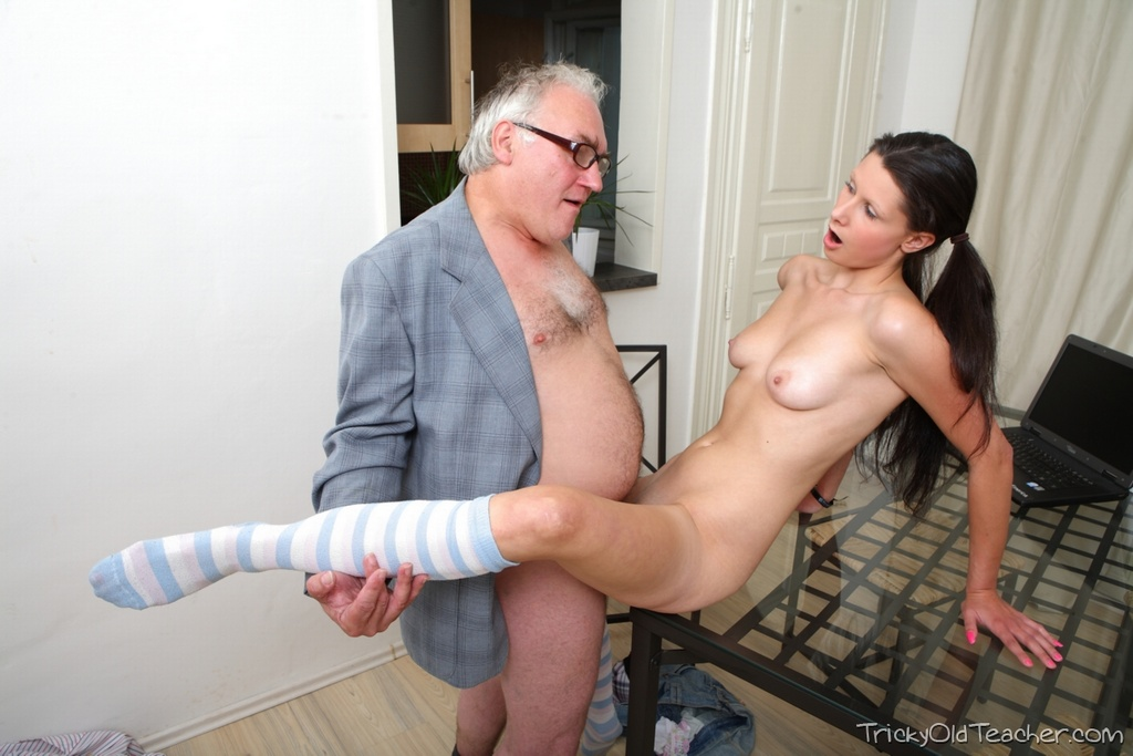 Young Brunette Gets Fucked By An Old Man In Argyle Socks And Pigtails Youngpornvideos 1