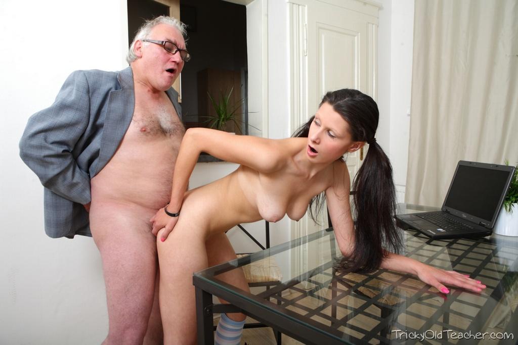 Старики и молодые девушки порно фото