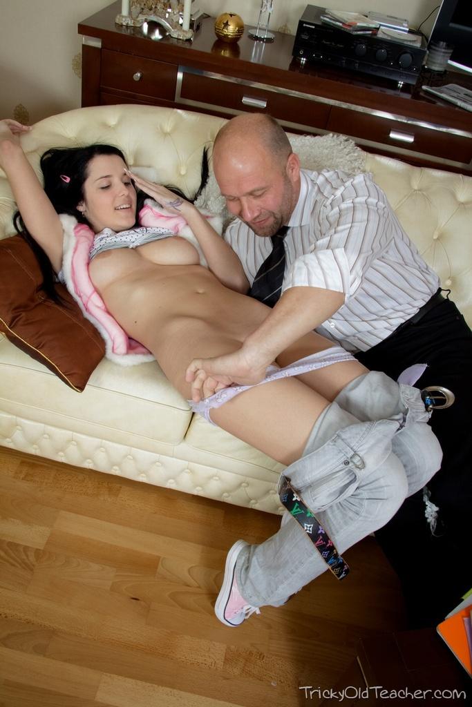 Фото секса с отчимом