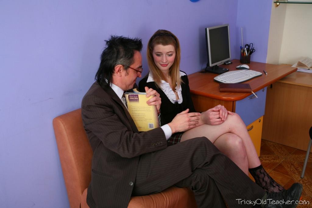 http://img.free4.thepluginz.com/23/photos/zudp5a/IMG_1231.jpg