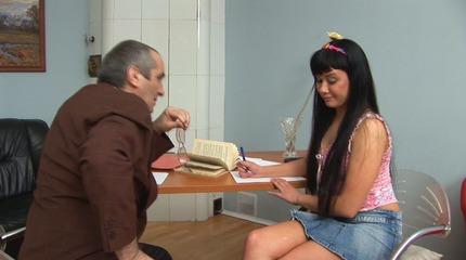 Old perverted teacher seduced his coed