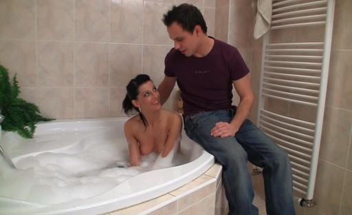 Teresa loves foamy bath and fucking in it