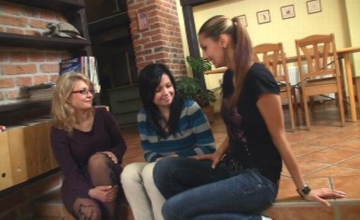 Passionate petting of teenies coeds