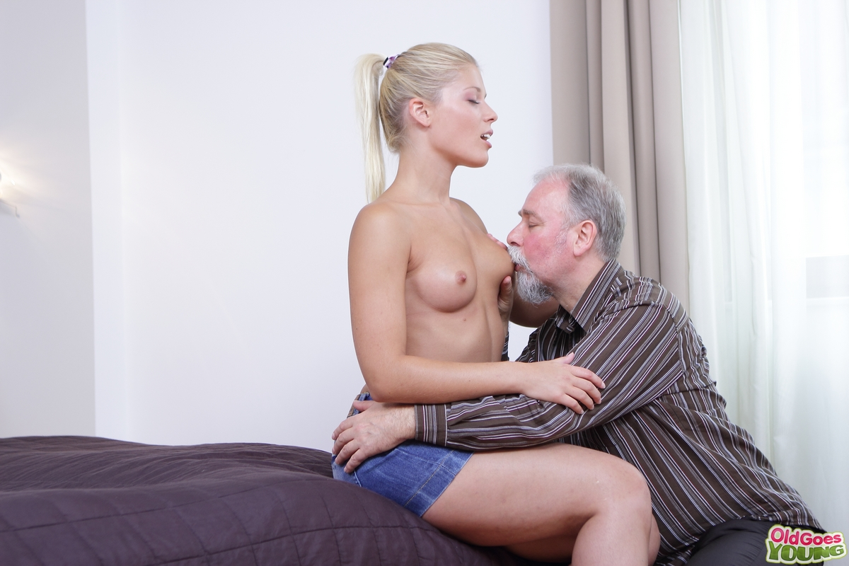 old man fuck girl pussy