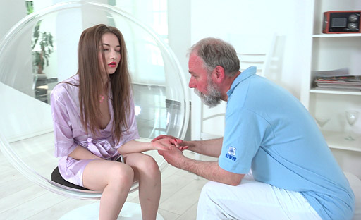 Sandra did not expect that this old goes young guy would be a great pussy licker