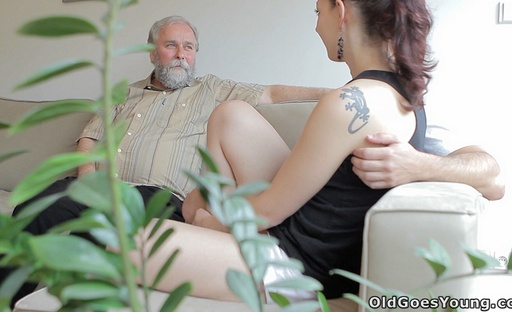 Ilona has her pussy licked out and eaten by her older lover today