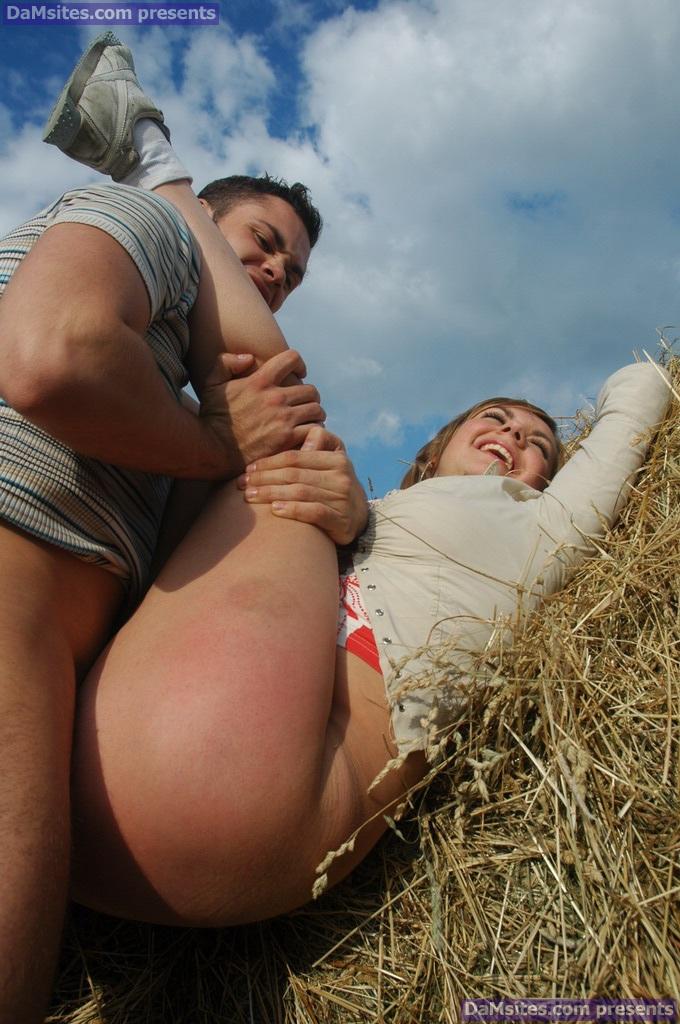 Смотреть онлайн порно в жопу на сеновале — pic 1